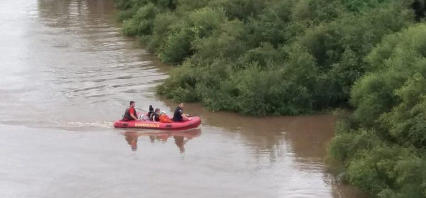 ecosul-resgata-familia-ilhada-no-rio-piratini-credito-lissandro-robaina00003