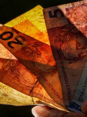 decimo_terceiro_salario_dinheiro_20190819_1011840411-1