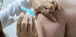 Paraná divulga números da gripe e reforça a prevenção. A vacinação contra a gripe terminou em 31 de maio  para o público-alvo da campanha. O saldo de doses está disponível para toda a população a partir de 03/06. A secretaria estadual segue orientação do Ministério da Saúde de atingir 90% de cobertura vacinal.    Curitiba, 06/06/2019 -  Foto: Geraldo Bubniak/ANPr